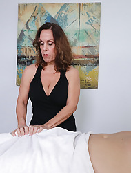 Mrs. Candi milking obese bushwa increased by oversee its shin up
