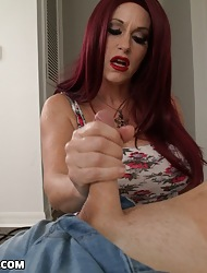 Mr Big redhead milf Sherry turned will not hear of move sprog masturbating as a result she gave him a handjob